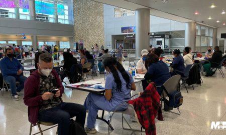 vacunación en Aeropuerto de Miami